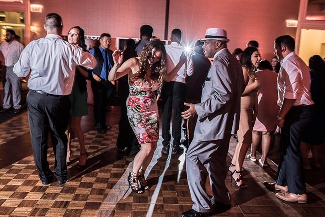 Wedding guests dancing | Summer Wedding in Chicago | Lisa Kay Photograpy