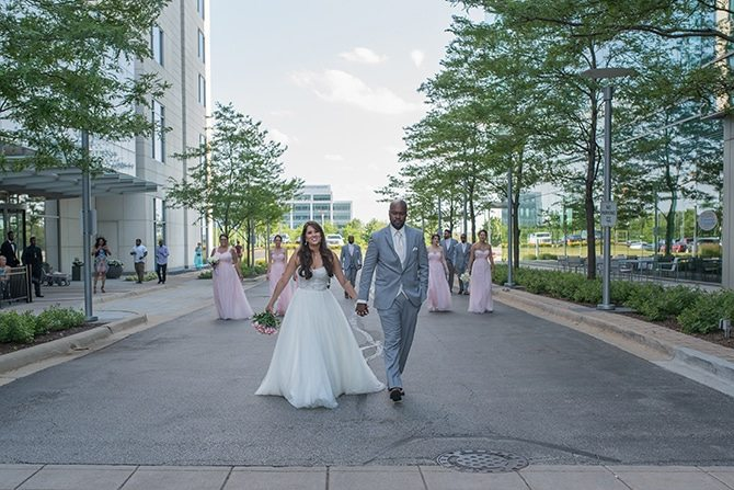 Couple getting married in Chicago | Summer Wedding in Chicago | Lisa Kay Photograpy