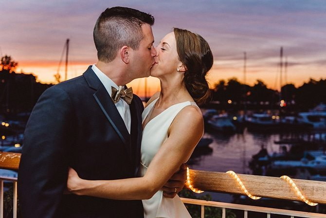Sunset kiss | Nautical Wedding in Ohio | Aster & Olive Photography