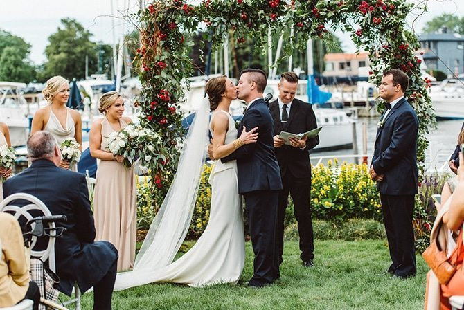 First kiss | Nautical Wedding in Ohio | Aster & Olive Photography