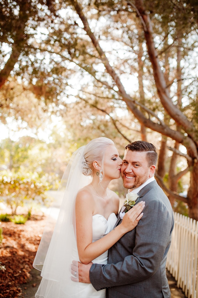 Couple in the summer sun | Rustic Wedding in Mountain View | Emily Jean Images