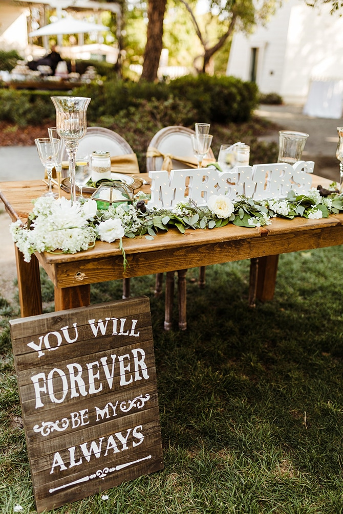 Outdoor Wedding Top Table | Rustic Wedding in Mountain View | Emily Jean Images