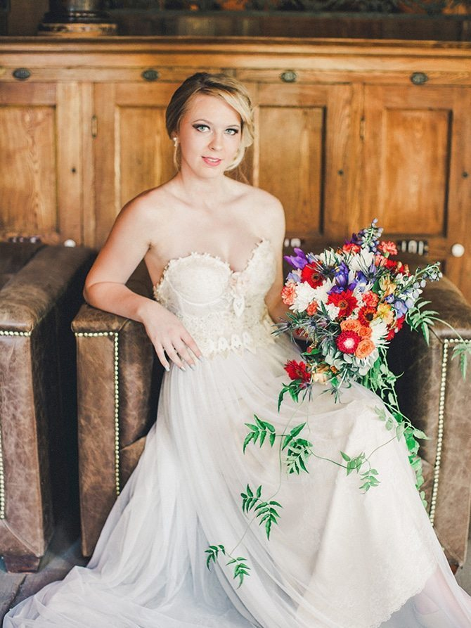 Rustic bridal dress | Koi Art Style | Pearl Hsieh Photography