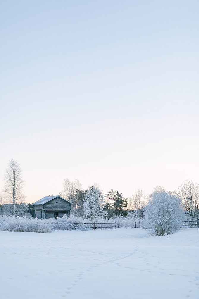 Sweden in Winter | Swedish Winter Wedding Style Linda-Pauline Photo