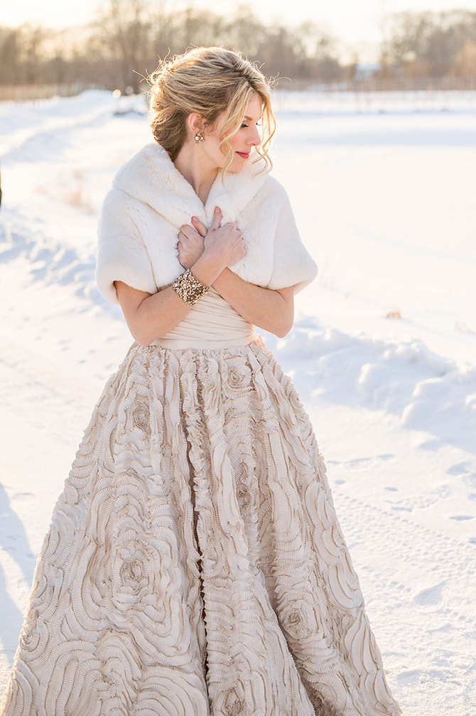 Bride in the snow | Glamorous Snowy Vineyard Wedding | Tonya Damron Photography