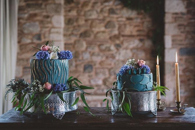 Blue wedding cake | Greek Countryside Wedding | Andreas Markakis Photography