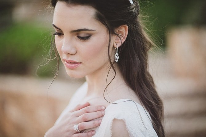 Bridal earrings | Greek Countryside Wedding | Andreas Markakis Photography