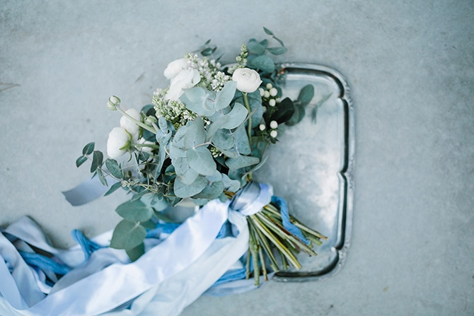 Neutral Bouquets | Swedish Winter Wedding Style Linda-Pauline Photo