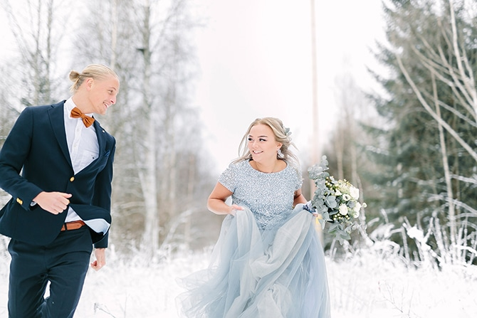 Bride and Groom in the snow | Swedish Winter Wedding Style Linda-Pauline Photo