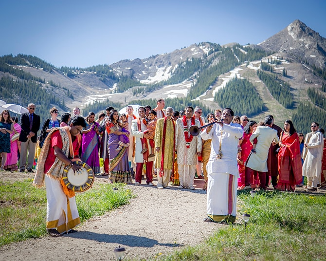 Hindu wedding entertainment | Traditional Hindu Wedding | Third Eye Photography