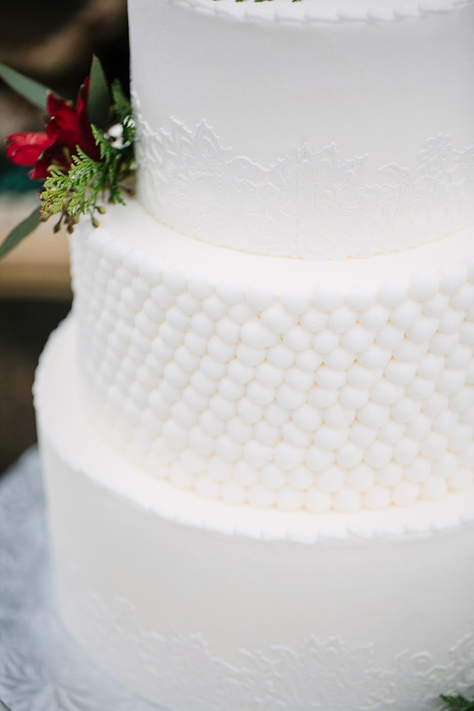 Snowball Wedding Cake | Winter Wedding in Minnesota Woodlands | B. Photography