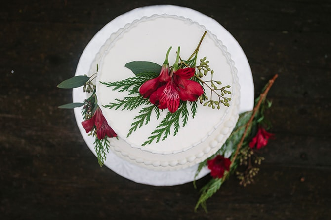 White Wedding Cake | Winter Wedding in Minnesota Woodlands | B. Photography