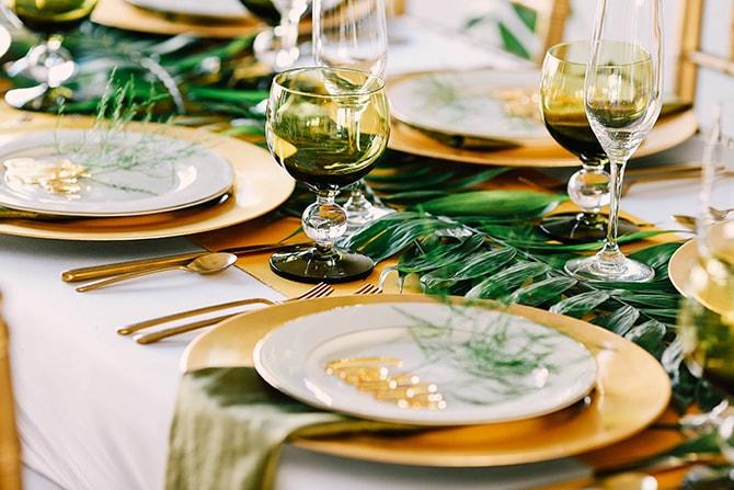 Foliage table runner | Fern and Foliage Wedding Decor | Hawkeye Photography