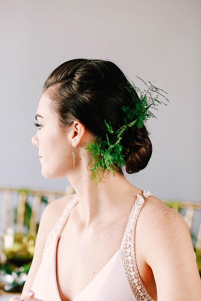 Green bridal headpiece | Fern and Foliage Wedding Decor | Hawkeye Photography