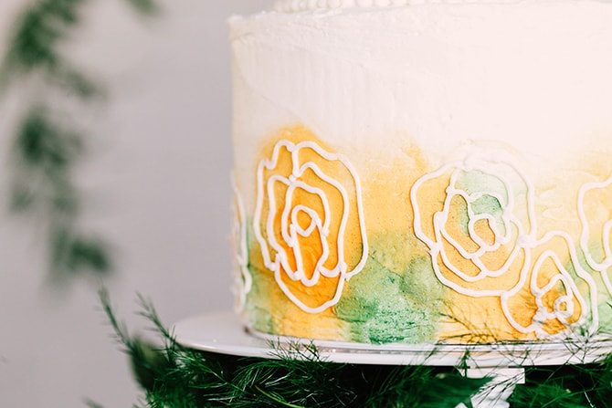 Modern floral wedding cake design | Fern and Foliage Wedding Decor | Hawkeye Photography