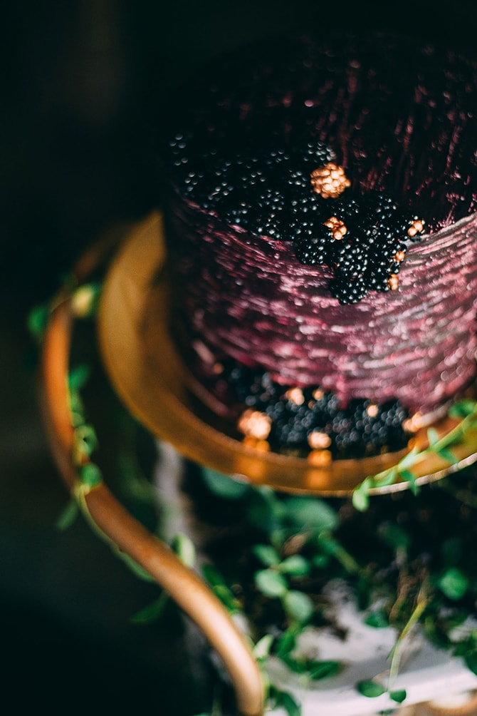Blackberry Wedding Cake | Hidden City Garden | Fogamp Dawn Photography
