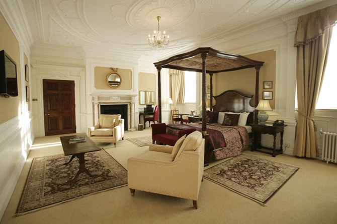 Rushton Hall Hotel Bedroom