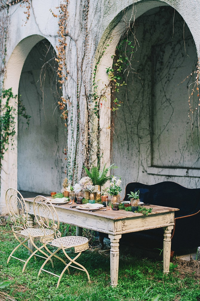 Outdoor wedding table | Secret Garden Wedding | Sarah Mattix Photography