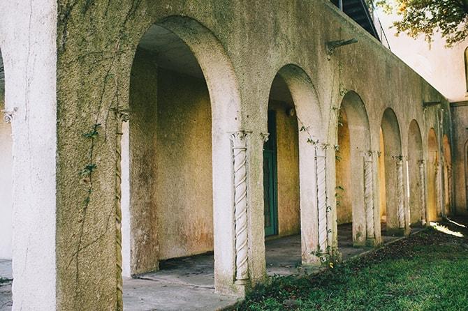 Garden arches | Secret Garden Wedding | Sarah Mattix Photography