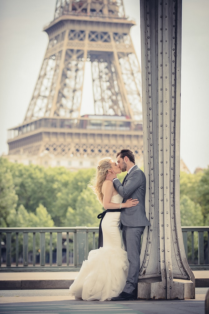 Paris love | Vintage Paris Elopement | Paris Photographer Pierre