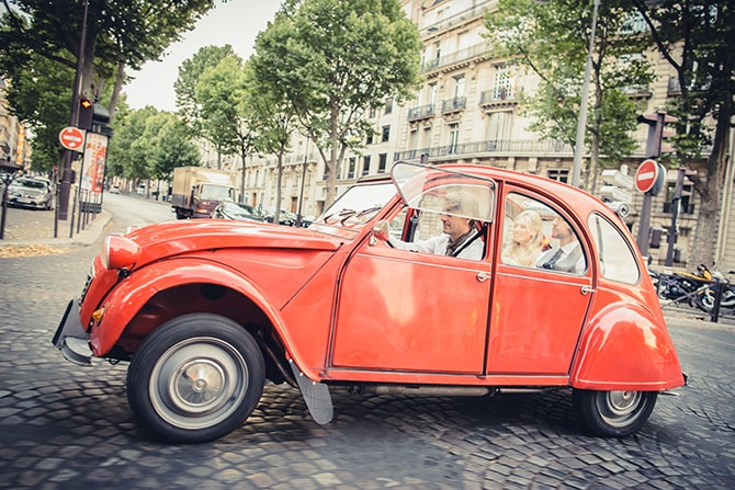 Classic French Car | Vintage Paris Elopement | Paris Photographer Pierre