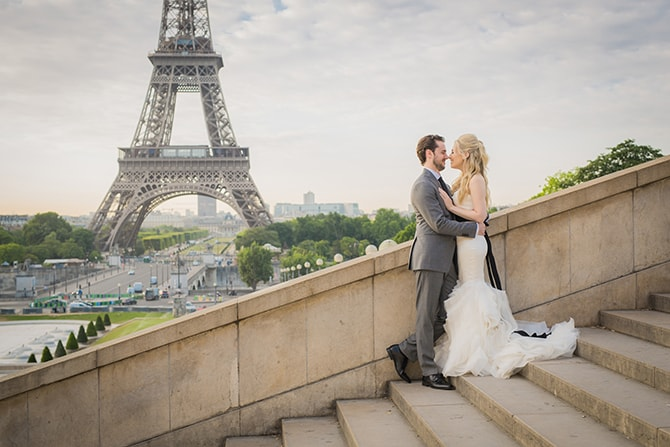 Bride and Groom on steps in Paris | Vintage Paris Elopement | Paris Photographer Pierre