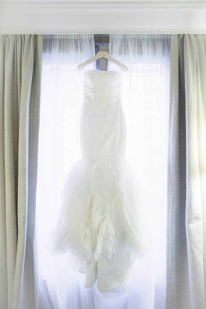 Dress in window | Vintage Paris Elopement | Paris Photographer Pierre