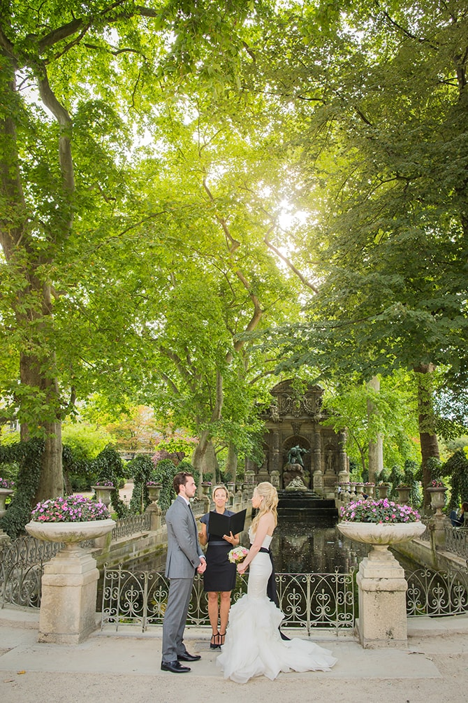 Outdoor Elopement | Vintage Paris Elopement | Paris Photographer Pierre