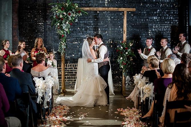 First kiss | Urban Wedding at Jackson Terminal Train Station | Amanda May Photos