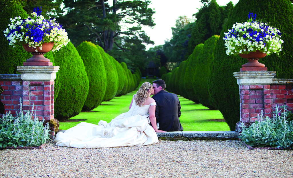 The Elvetham Hotel reviewed by Pineapple Parlour | Ultimate Wedding Magazine 2