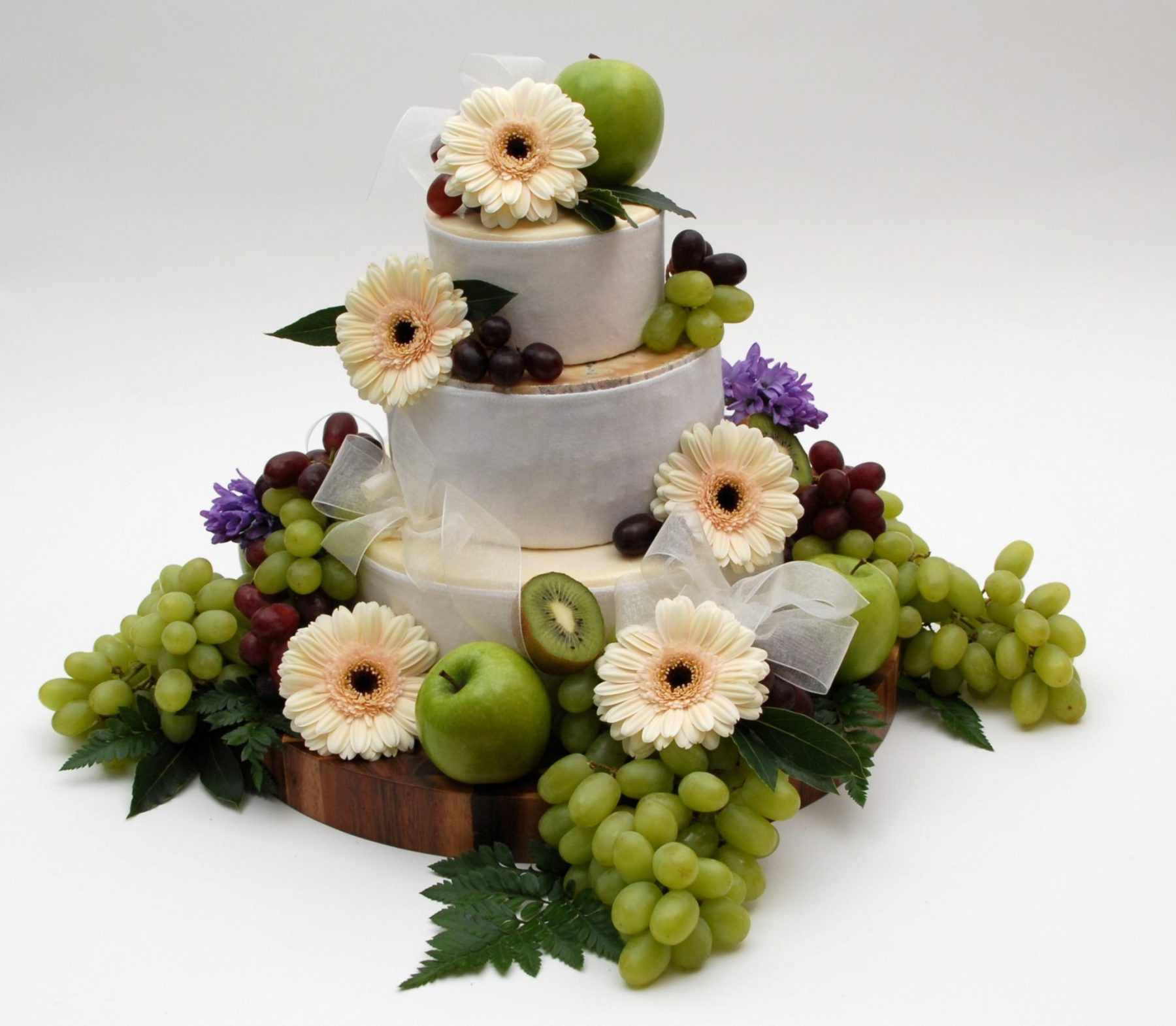 Check out the cheese! | Ultimate Wedding Magazine 3