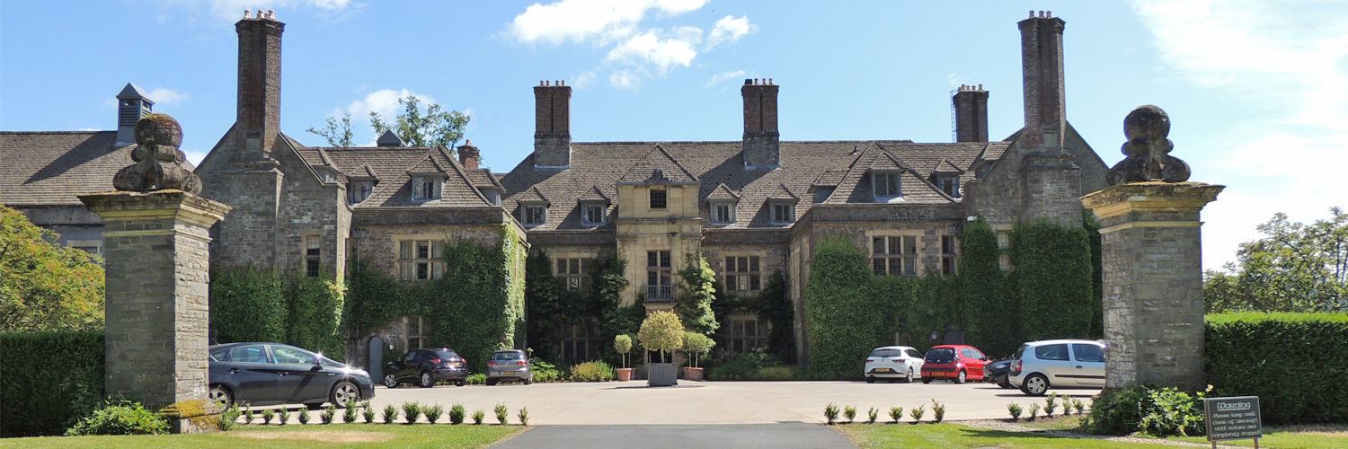 Llangoed Hall review | Ultimate Wedding Magazine 1