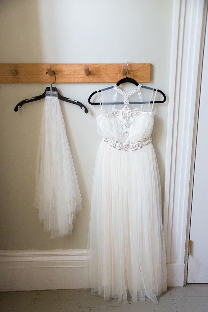 Bridal dress and veil | Coastal Fort Wedding in Rhode Island | Ellysia Francovitch Photography