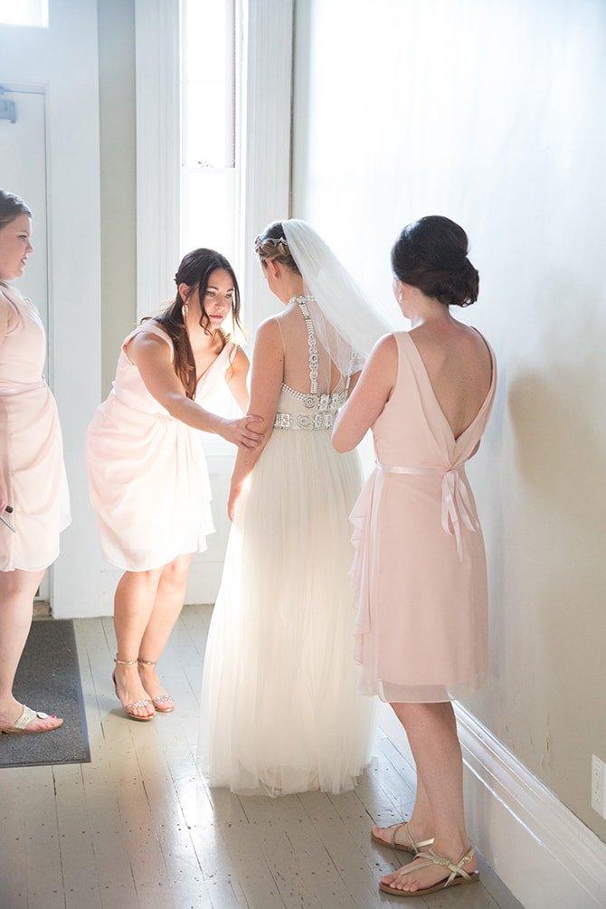Bride getting ready | Coastal Fort Wedding in Rhode Island | Ellysia Francovitch Photography