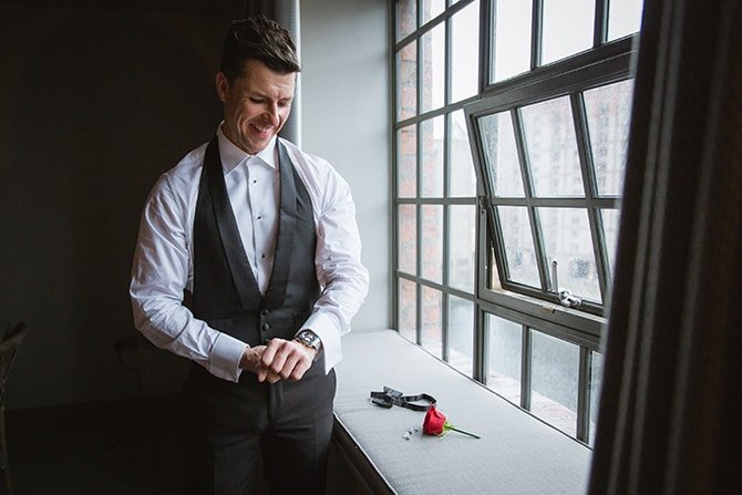 Groom getting ready | Hollywood Glamour in Liverpool | Lesley Bee Photography
