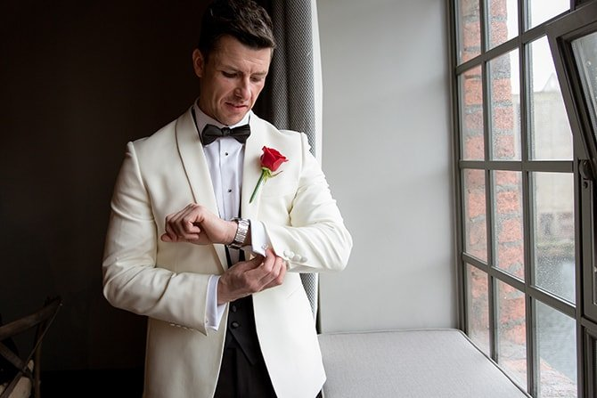 Groom in white jacket | Hollywood Glamour in Liverpool | Lesley Bee Photography