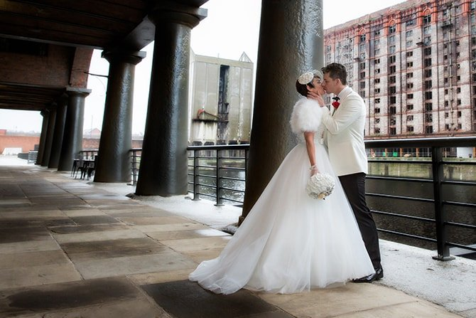 Titanic Liverpool Wedding | Hollywood Glamour in Liverpool | Lesley Bee Photography