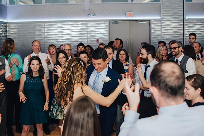 Couple dancing | Contemporary Beach Wedding in New York | Martina Micko Photo
