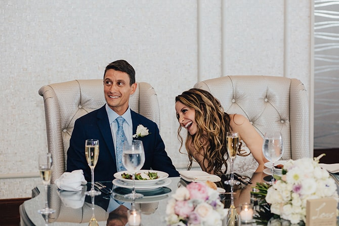 Wedding top table | Contemporary Beach Wedding in New York | Martina Micko Photo