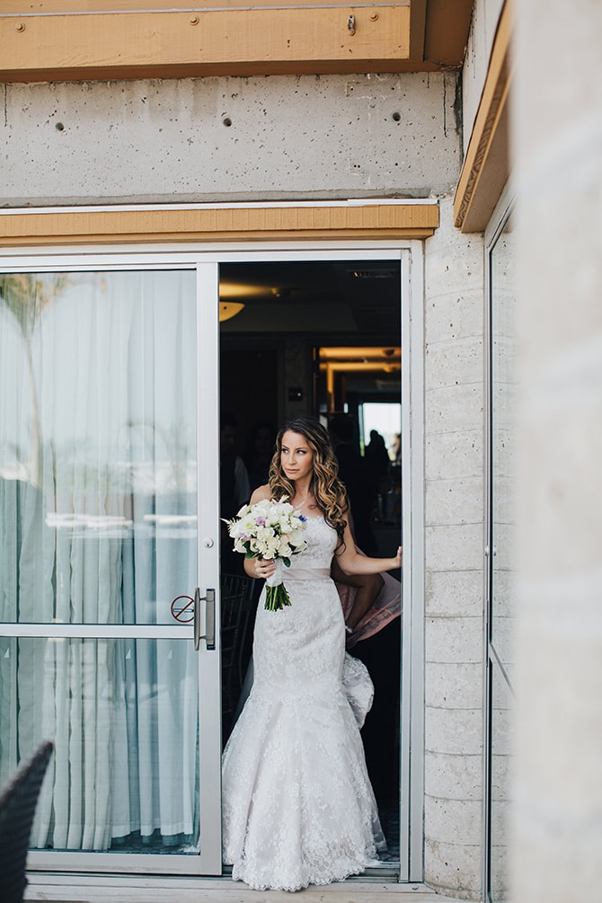 Bride in white dress with bouquet | Contemporary Beach Wedding in New York | Martina Micko Photo