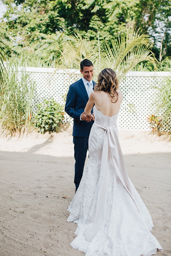 Wedding first look | Contemporary Beach Wedding in New York | Martina Micko Photo