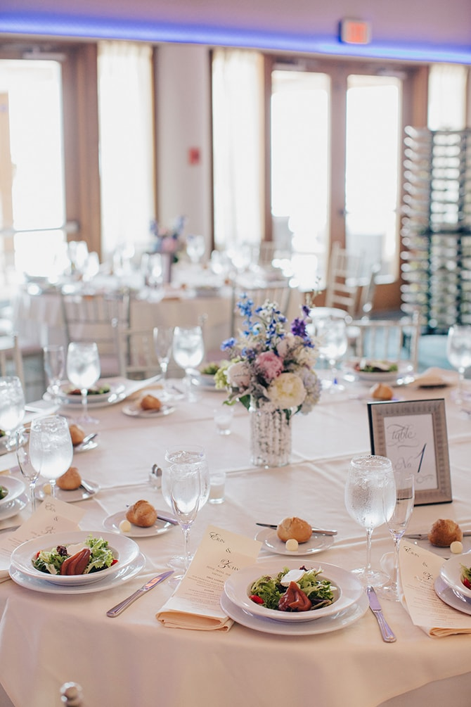 Wedding reception | Contemporary Beach Wedding in New York | Martina Micko Photo