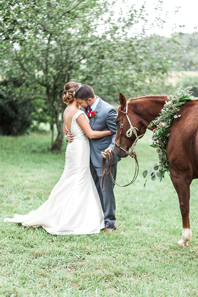 Couple with horse | Fall Wedding at Historic Virginia Estate | Lieb Photographic LLC