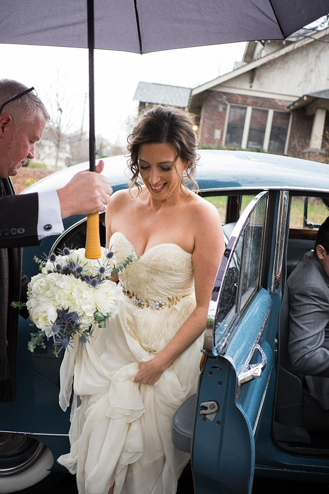Bride arriving to ceremony | Intimate Winter Wedding in Tennessee | Jay Farrell Photography