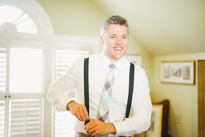 Groom getting ready | Stunning Southern Plantation Wedding | Gideon Photography