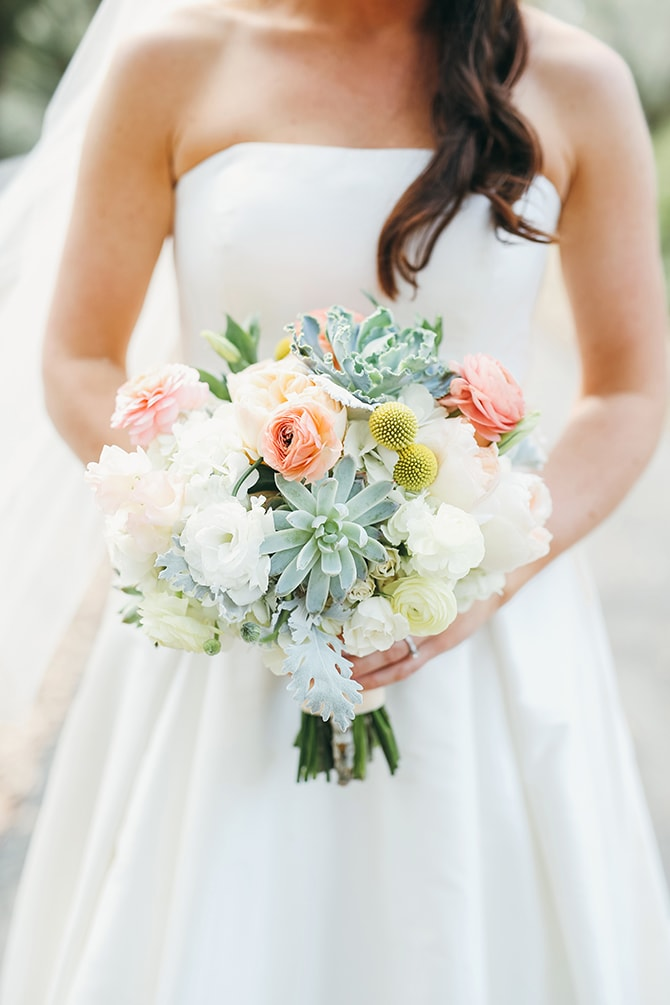 Modern bridal bouquet with succulents and flowers | Stunning Southern Plantation Wedding | Gideon Photography