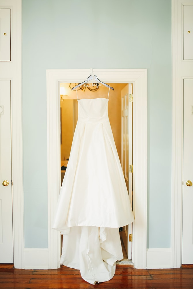 Wedding dress | Stunning Southern Plantation Wedding | Gideon Photography