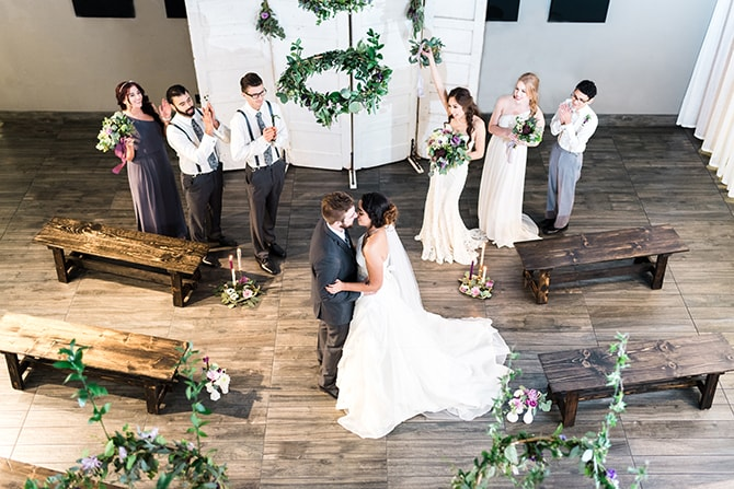 Modern wedding ceremony | Casually Modern Wedding Inspiration | Mindy DeLuca Photography