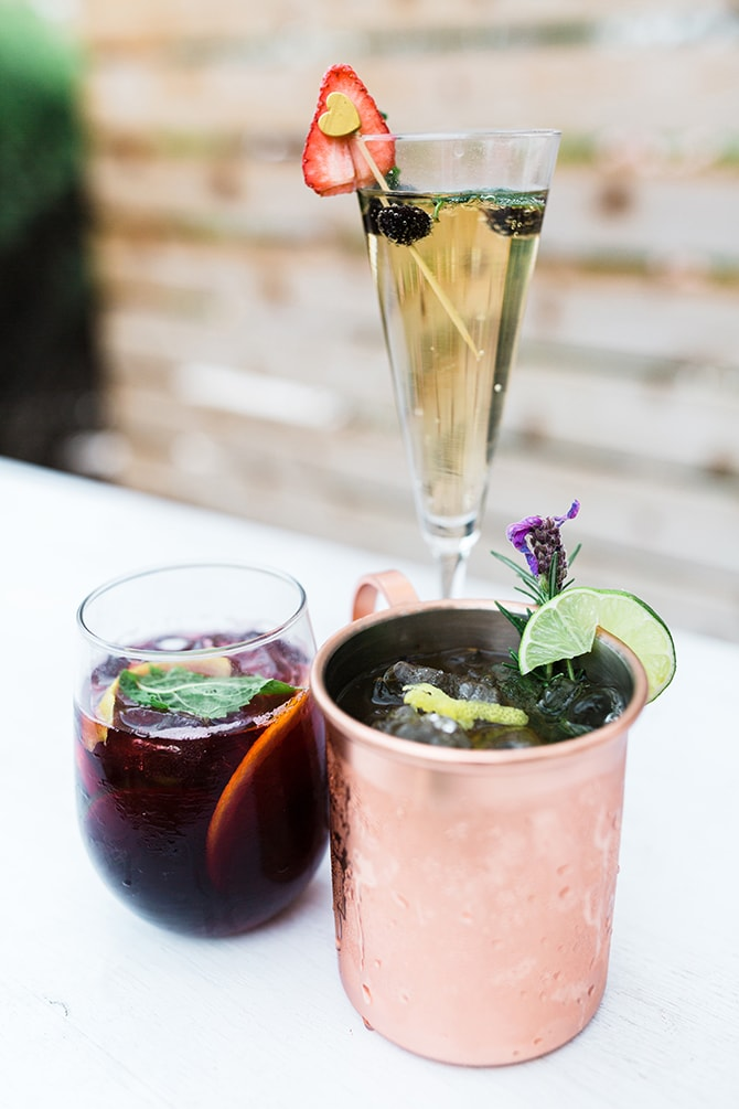 Stylish drinks | Casually Modern Wedding Inspiration | Mindy DeLuca Photography