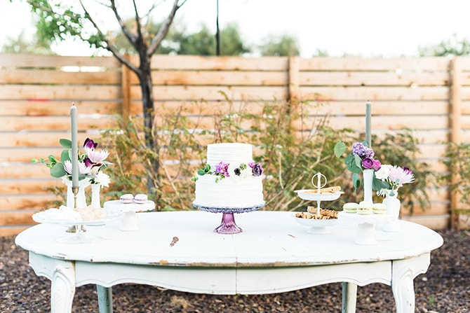 Stylish dessert table | Casually Modern Wedding Inspiration | Mindy DeLuca Photography